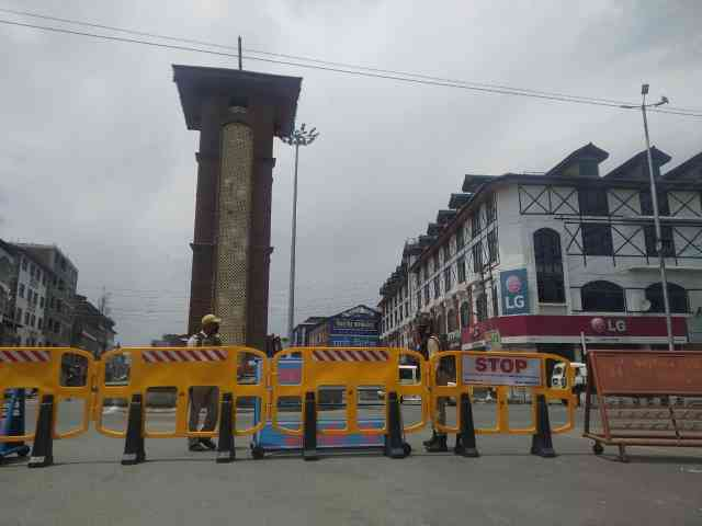 J&K administration orders partial lockdown in Srinagar due to spike in coronavirus cases